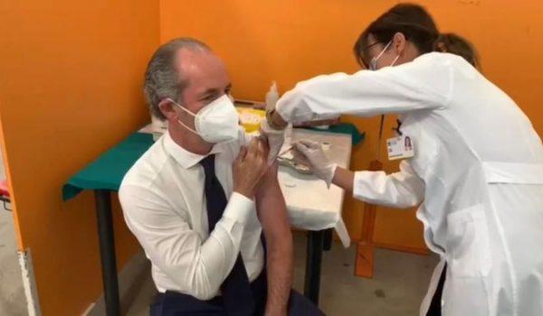 Luca Zaia si è vaccinato, al governatore dose di Pfizer